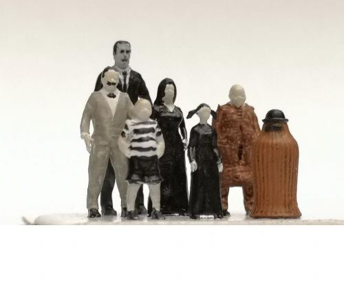 OSBF0013 HO scale Scary Family